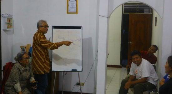 diskusi Academia