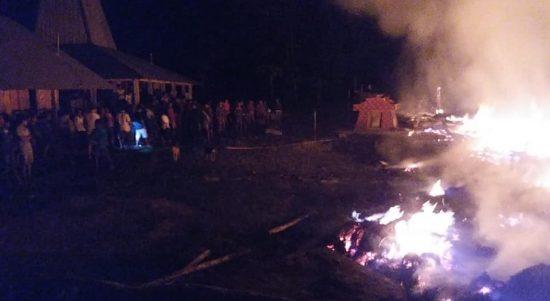 kebakaran di sumba barat