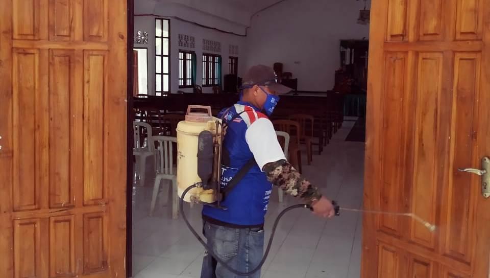 aksi di gereja