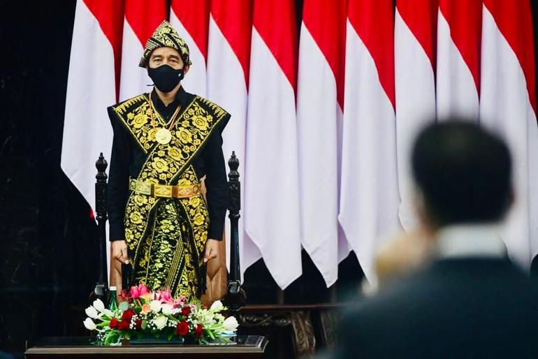 presiden baju adat sabu