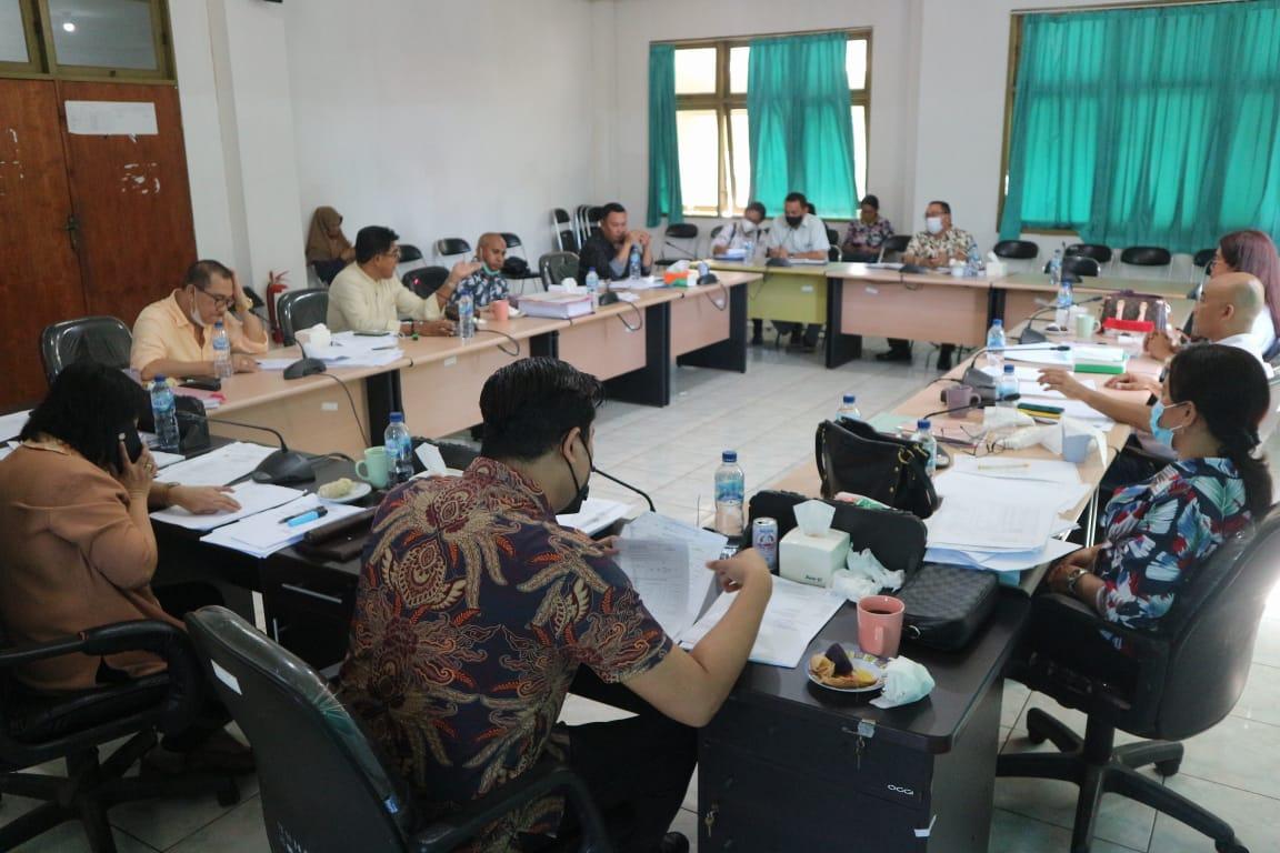 sidang komisi IV