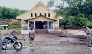 pengamanan gereja di nagekeo