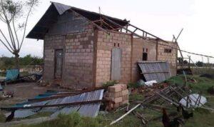 rumah rusak di sabu