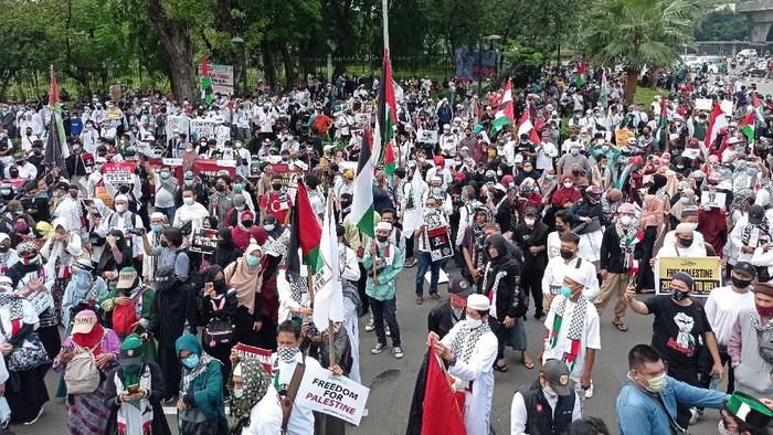 penampakan massa aksi bela palestina di kedubes as pukul 1332 wib 2 169