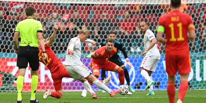 291371 01064427062021 gol Dolberg Wales vs Denmark