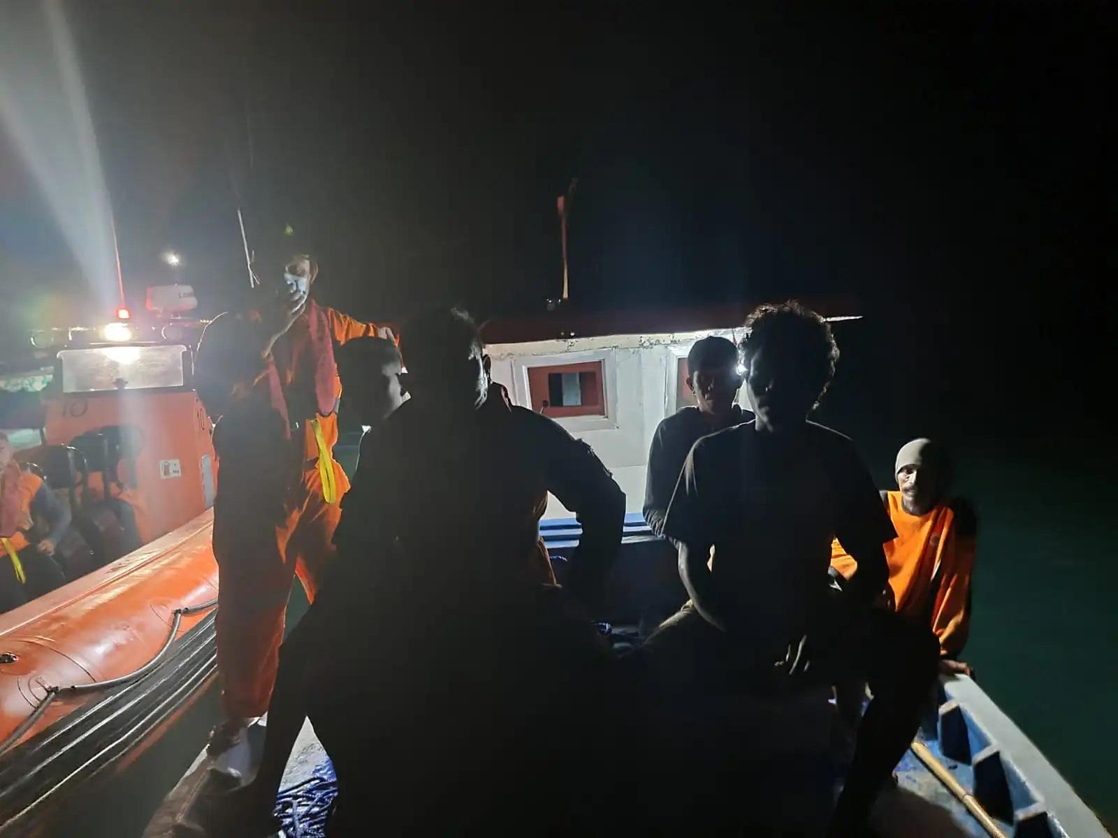 perahu tenggelam